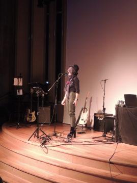 Les étudiants de l'Ebabx s'emparent de Radio Ritournelles. Restitution du workshop Chanson Limite mené avec leurs enseignants, le poète Frédéric Forte et la chanteuse Valérie Philippin.