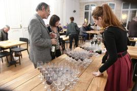 Dégustation littéraire.  Dégustation de grands vins en poésie avec l'auteur Julien Blaine.