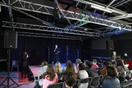 Les jeunes aiment la poésie contemporaine.  Une classe de quatrième du collège Henri de Navarre à Coutras et trois classes de seconde du lycée Max Linder de Libourne proposent leurs lectures préparées de textes contemporains.