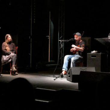 Trio littéraire et musical Lo polit mai - Claude Chambard, Emmanuelle Pagano et Matèu Baudoin se mettent en place pour le trio Lo polit mai, Le joli mai
