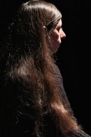 Trio littéraire et musical Lo polit mai - Emmanuelle Pagano écoute l'artiste et le poète dans le trio Lo polit mai, Le joli mai